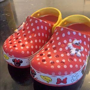 Minnie mouse crocs